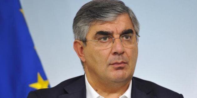 Luciano D'Alfonso indagato. Il presidente della Regione Abruzzo è accusato di corruzione, turbativa d'asta...