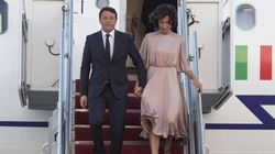 Renzi arriva a Washington, ma gli obiettivi dei fotografi sono tutti per