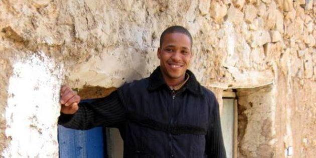 Un 40enne marocchino ritrova un portafogli e percorre 40 chilometri a sue spese per restituirlo al
