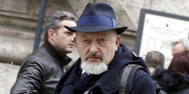 Inchiesta Consip, indagato a Roma Tiziano Renzi, padre dell'ex premier Matteo, per traffico di influenze....