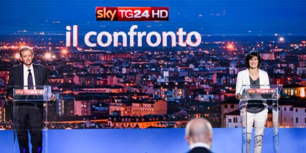 Chiara Appendino e Piero Fassino al confronto su SkyTg24. I due candidati a Torino si tengono alla larga...