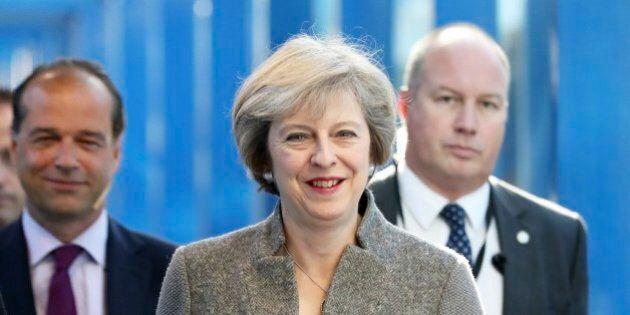 Brexit, ambasciatore britannico in Ue lascia e condanna il