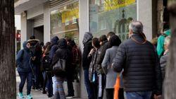 Correos se desborda: más de un millón de personas en dos días para