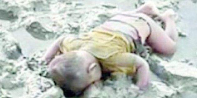 Birmania, la foto del bimbo rohingya Mohammed Shohayet scuote il