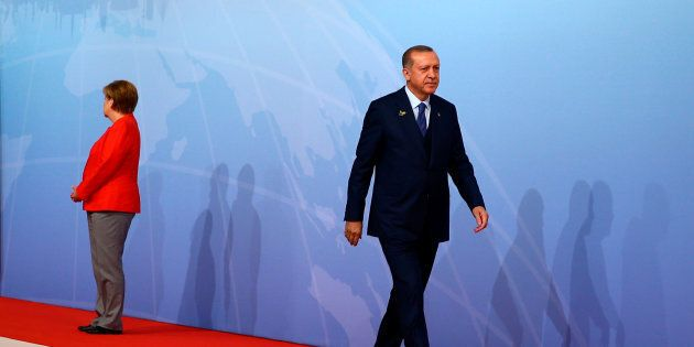 Germania e Turchia ai ferri cortissimi. Gabriel e Merkel: