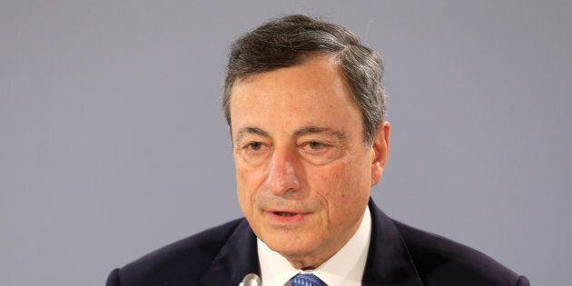 Quantitative easing più ampio (se serve) e tassi ai minimi storici, la Bce non alza il piede