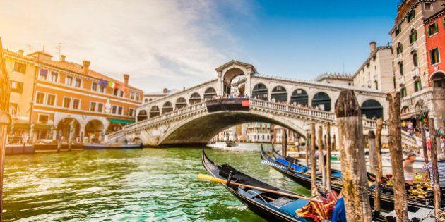 La classifica delle città turistiche più care (ed economiche) del mondo. Due italiane in top