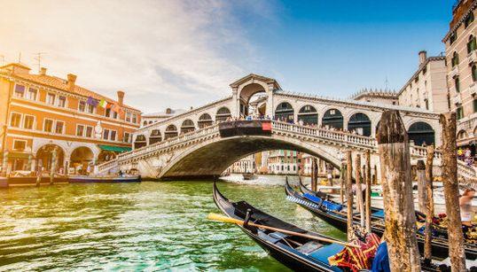 Le città turistiche più care (ed economiche) del mondo. Due italiane in top