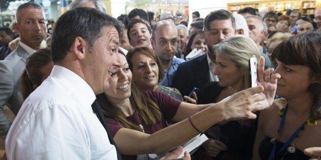 Le elezioni si vincono al centro (commerciale)? Matteo Renzi all'ipermercato tra fedelissimi e