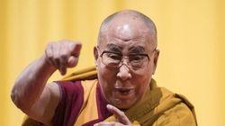 Dalai Lama cittadino onorario di Milano fa infuriare la comunità