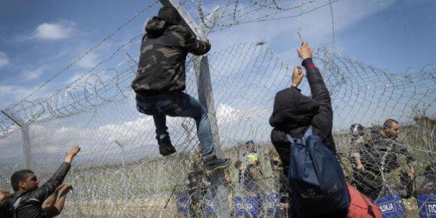Chiudere agli immigrati aiuta i