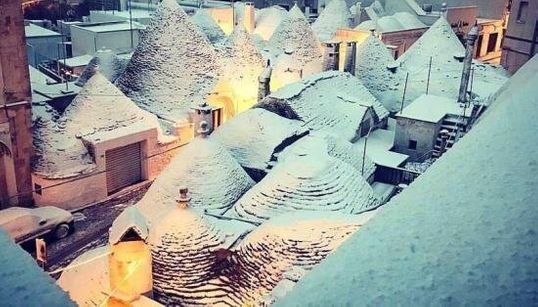 L'Italia si sveglia sotto la neve: le 13 immagini più belle delle nostre città