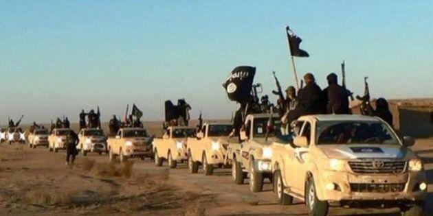 Guerra all'Isis: per il Wsj Usa pronti a colpire Raqqa e dare spallata decisiva a Daesh. Su Aleppo ancora...