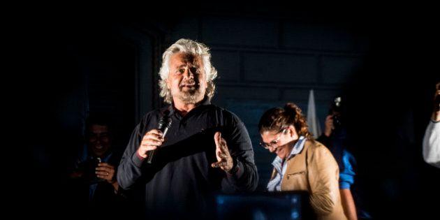 Referendum, blog Beppe Grillo contro Matteo Renzi:
