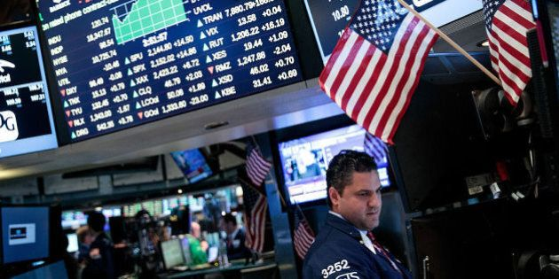 Donald Trump non spaventa Wall Street, record storico del Dow Jones: sfondata quota 19 mila