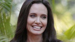 Angelina e le prime foto dopo il divorzio. Riparte dalla Cambogia (con il