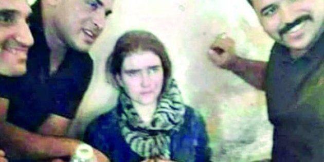 Denutrita e spaventata, così è stata ritrovata Linda W., la studentessa tedesca che si è arruolata nell'Isis...