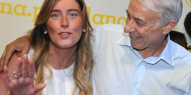 Il sottosegretario alla Presidenza del Consiglio Maria Elena Boschi (s) con l'ex sindaco di Milano e...
