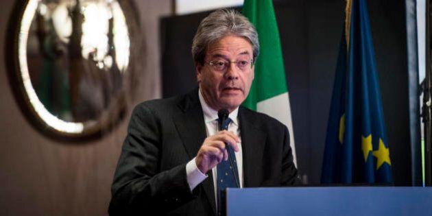 Paolo Gentiloni apre con Francois Hollande il tour delle cancellerie