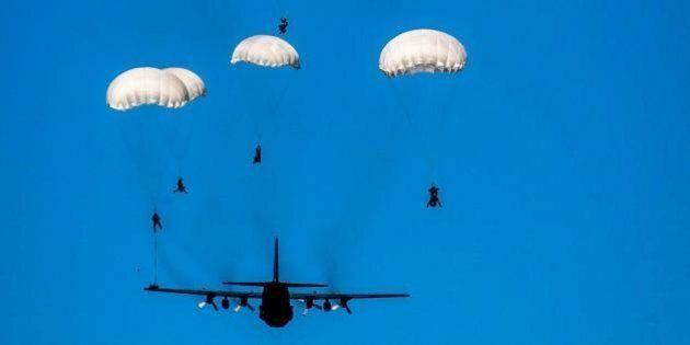 War Games tra Nato e Mosca. Alleanza pronta a schierare nuovi battaglioni a est. Cremlino annuncia
