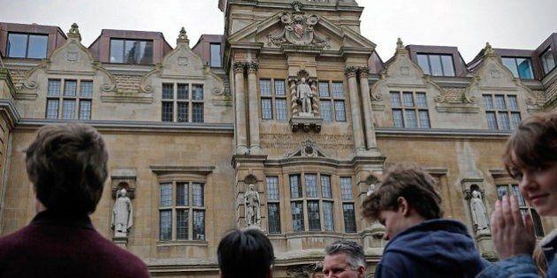 Università Oxford pensa di aprire campus a Parigi? L'ateneo smentisce il