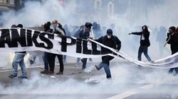 Hollande minaccia di vietare le