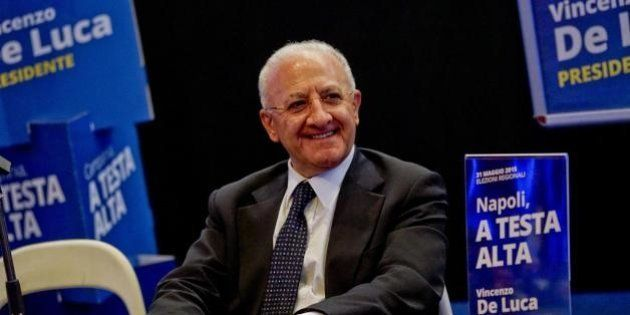 Vincenzo De Luca potrà fare il commissario della Sanità campana con un controllo ogni 6