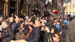 Roma assediata dei tassisti (ed estrema destra). Vertice fiume con Delrio:
