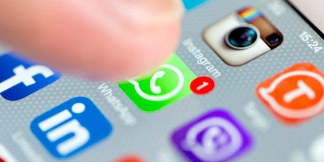 WhatsApp come Facebook, arrivano gli aggiornamenti di stato: Foto, video e gif ma a 'tempo