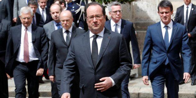 Francia: accerchiato da proteste, Isis e caos Europei, Hollande cambia passo e sceglie la linea dura...