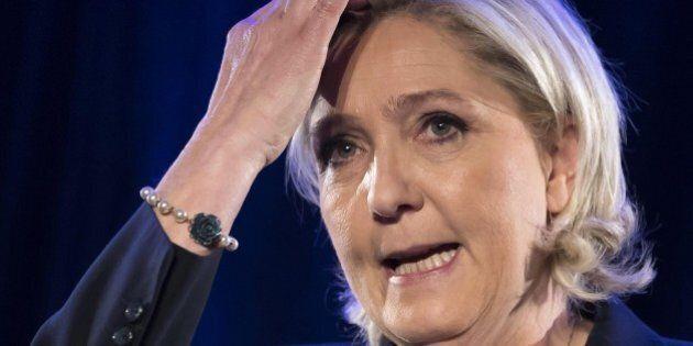 Libano, Marine Le Pen rifiuta di indossare il velo e cancella l'incontro con il Gran
