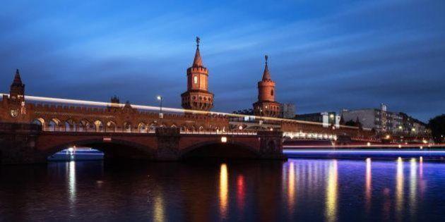 Imparare una lingua viaggiando tra cibo e cultura europea. Da Berlino a Parigi ecco le