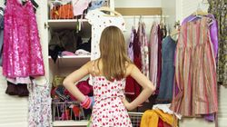 Compriamo una quantità impressionante di vestiti. E molti di questi sono destinati alla