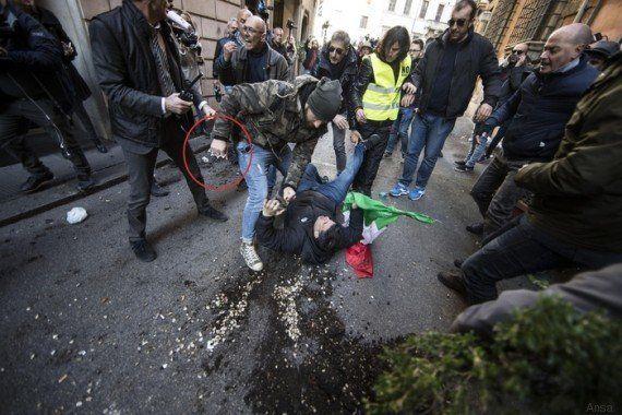 Taxi, Forza Nuova e tassisti mettono in ginocchio Roma. In piazza anche con tirapugni