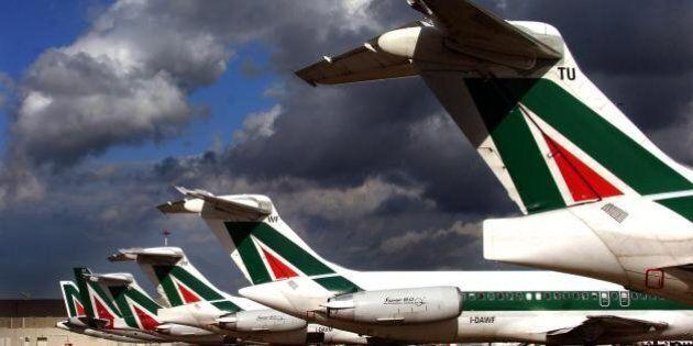 Alitalia, rinviato lo sciopero del trasporto aereo. Il governo incontra