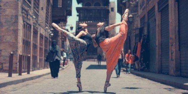 Le donne reclamano le strade del Cairo attraverso delle stupende foto dei loro