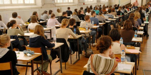 Cambia l'esame di maturità: per l'ammissione basterà solo la media del 6, i compiti scritti diventano