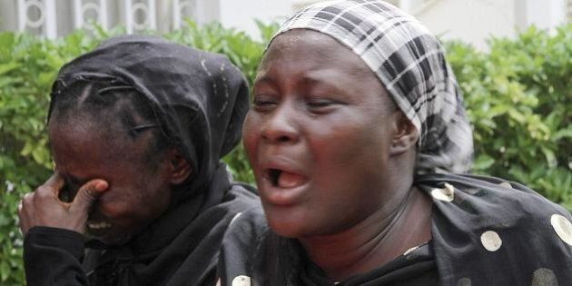 Nigeria, raid aereo colpisce per errore un campo profughi: oltre cento morti. La denuncia di