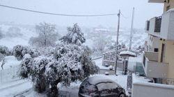 Emergenza maltempo in Abruzzo, ancora al buio 87 mila utenze. Esonda il fiume Pescara, allagamenti nelle