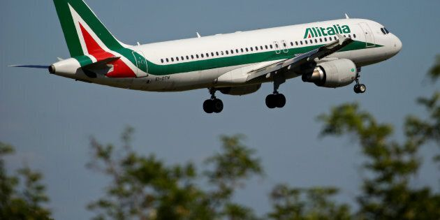 Alitalia, il 2 ottobre le offerte vincolanti. Gubitosi: