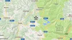 Terremoto, tre forti scosse di magnitudo 5, epicentro ancora tra Amatrice e l'Aquila. Allarme