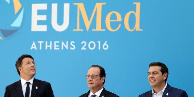 Italian Prime Minister Matteo Renzi (R), French President Francois Hollande (C) and Greek Prime Minister...