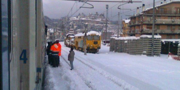 Terremoto, treno bloccato a San Ginesio nelle Marche: un bus