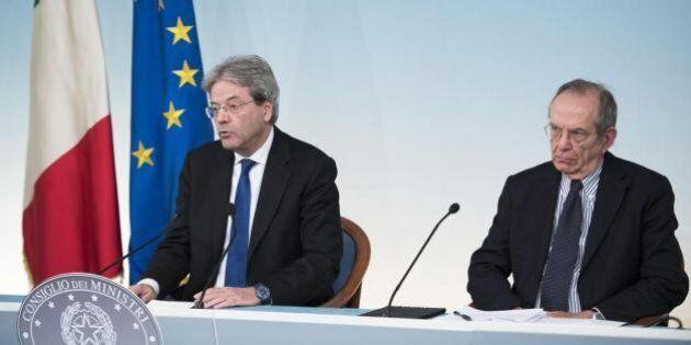 Ue. Senza Renzi attacco italiano a più punte: Gentiloni vs Merkel, Padoan sfida Davos, Pittella all'opposizione...