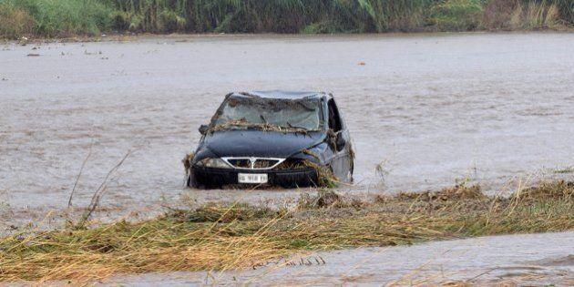 Maltempo, un uomo muore annegato in auto nel Foggiano. Allerta temporali in Puglia, Basilicata e