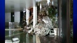Macerie e ghiaccio ovunque, le prime immagini di SkyTg24 all'interno dell'Hotel