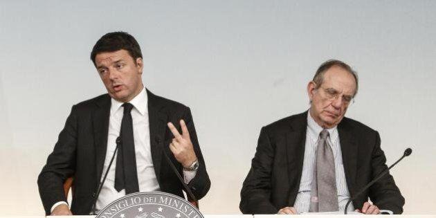 Il governo prepara la 'manovrina' per l'Ue, gelo del Pd con Padoan. Renzi dice no a tasse e