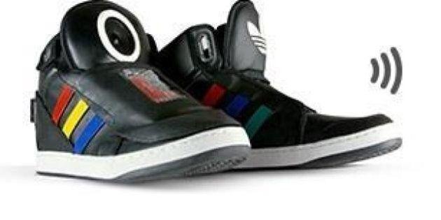 Abiti hi tech: da Nike ad Apple per il futuro si investe su scarpe parlanti, calzini