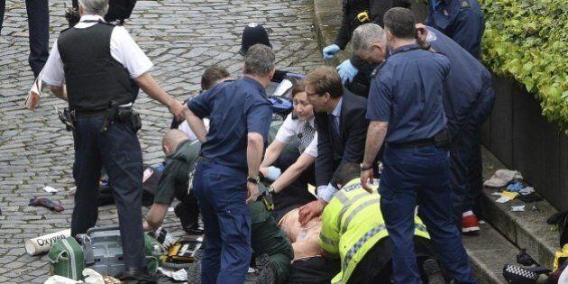Il viceministro Tobias Ellwood che ha provato a salvare il poliziotto: