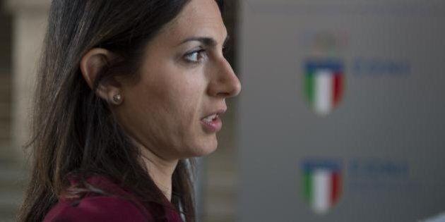 Virginia Raggi, El Pais mette in relazione la crisi del Campidoglio con quella ai vertici dei 5